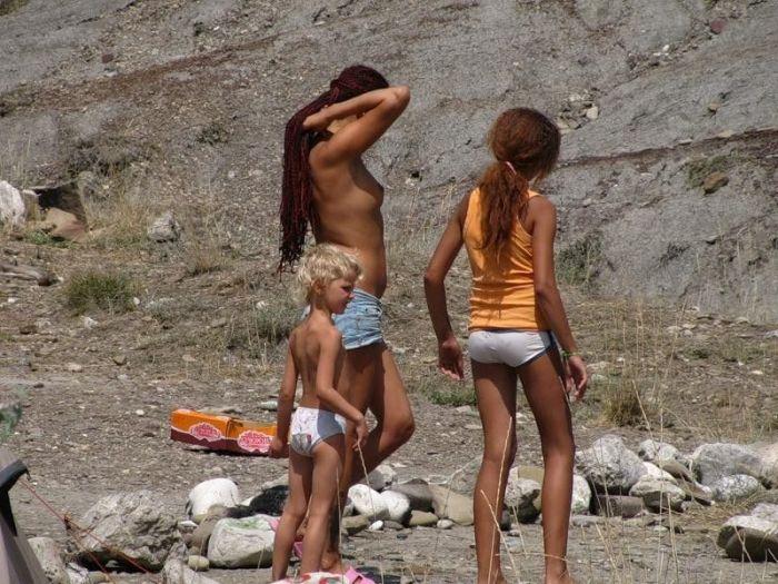 Фото семей с нудистских пляжей